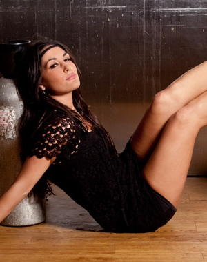 Brie Bella should pose naked for Playboy