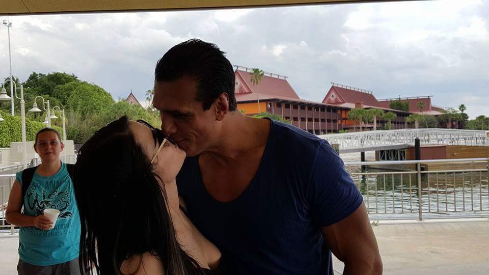 Alberto Del Rio and Paige kissing