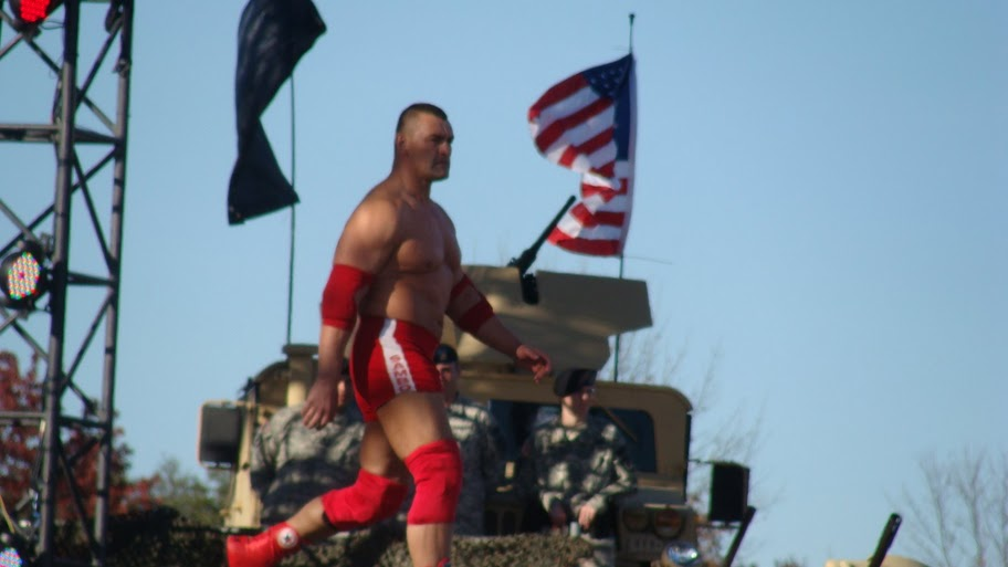 [IMG]http://www.pwpix.net/superstars/s/specials/wwe-tribute-to-the-troops-2010/gallery1/064.jpg[/IMG]