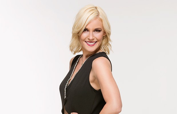 how tall is renee young